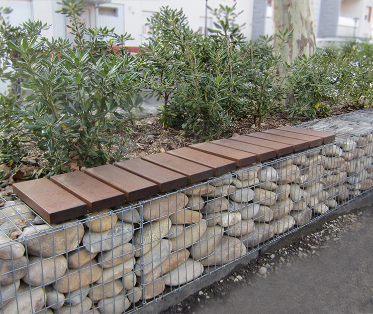 River rock gabion cladding for Amenagement paysager avec roche decorative